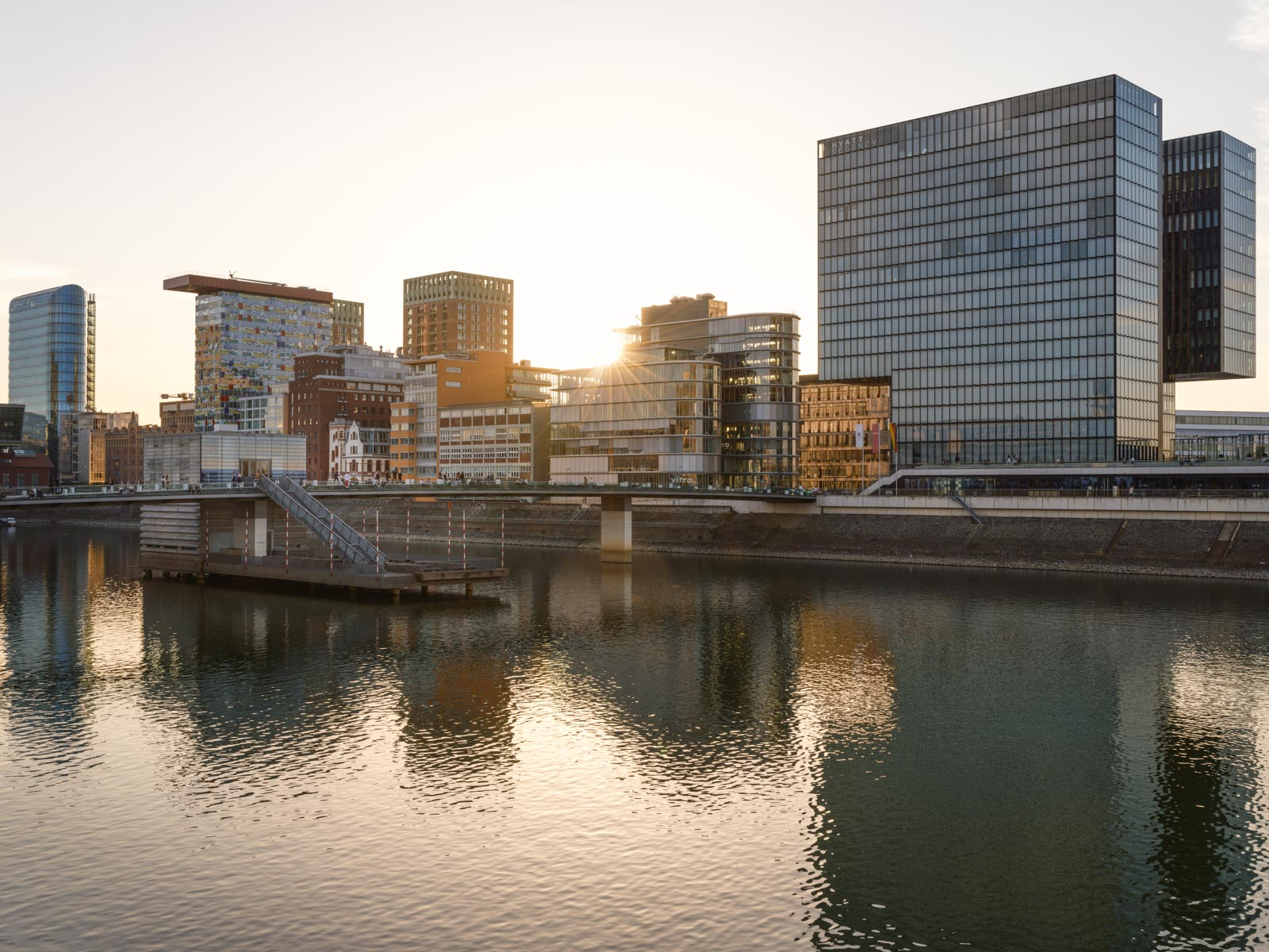 Late afternoon in the 'Medienhafen' (Media Harbour) in Düsseldorf on the Rhine in March 2021 (Germany).